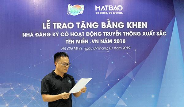 Mắt Bão nhận bằng khen của Trung tâm Internet Việt Nam 2